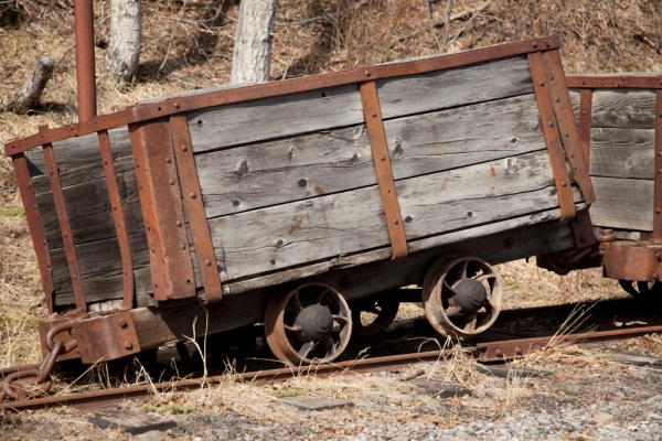 Mine Cart Copyright © 2012 Mo Mullet