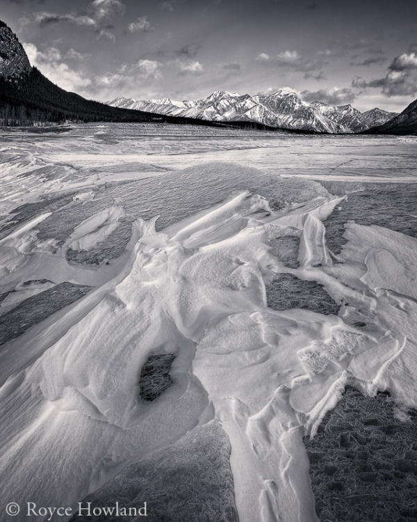 Effects of Light and Wind, Abraham Lake. Copyright © Royce Howland.