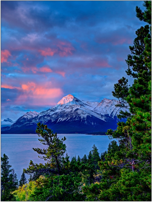 Elliott Peak Alpen Glow. Copyright © John Gobey.
